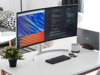 How to Turn a Laptop into a Desktop