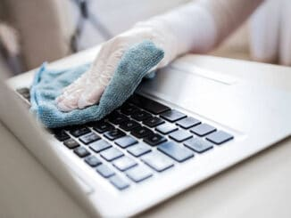 How to clean up laptop